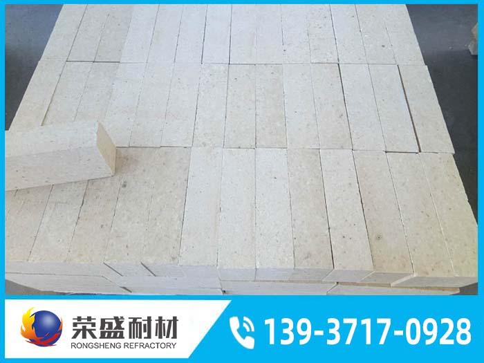 水泥窑耐火砖表面为什么会有窑皮?